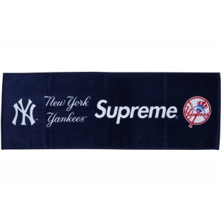 FW18 Supreme New York Yankees Hand Towel Navy