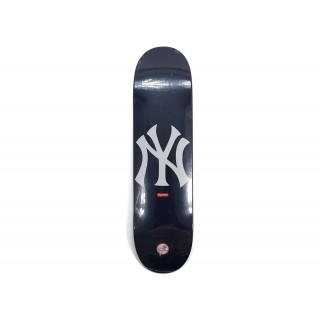 FW18 Supreme New York Yankees Skateboard Deck Navy